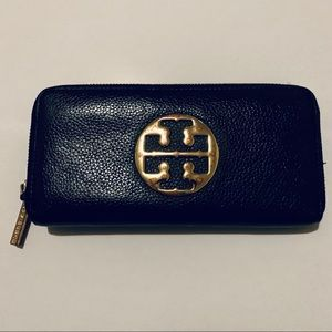 Tory Burch large leather wallet ❤️